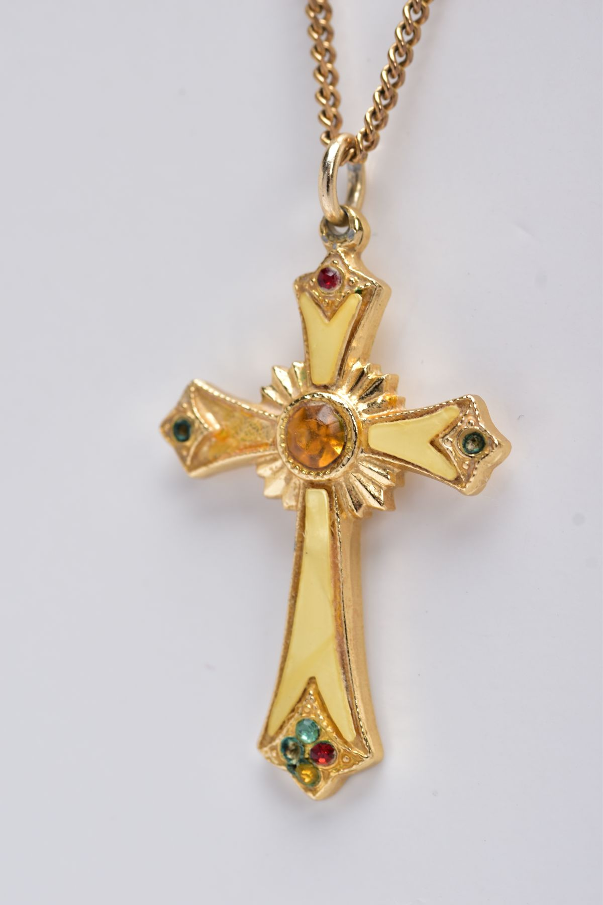 A 9CT GOLD CHAIN WITH A YELLOW METAL CROSS PENDANT, the curb link chain fitted with a spring - Image 3 of 4