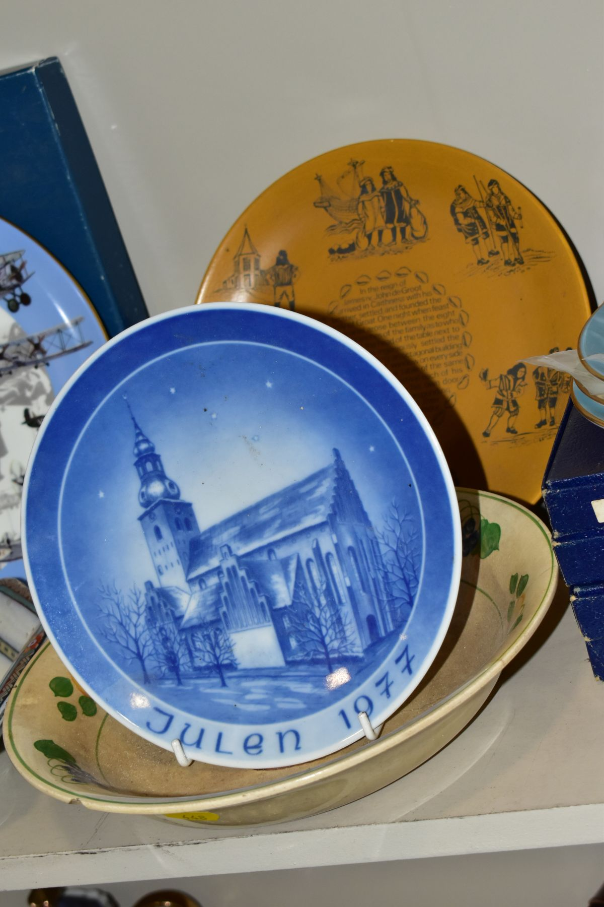 A SET OF FOUR BOXED COALPORT LIMITED EDITION COALPORT CABINET PLATES, from 'World of Ballooning - Image 3 of 5