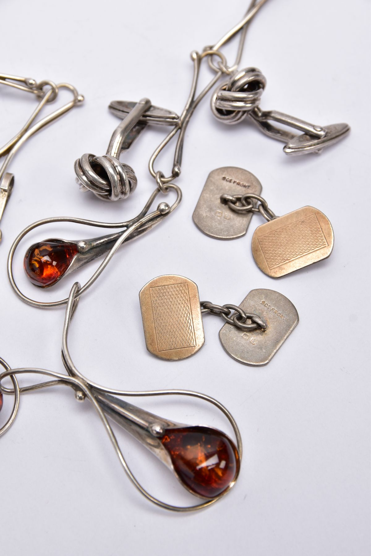A SILVER AMBER NECKLACE, SILVER CUFFLINKS, STICK PIN, CUFFLINKS, ETC, the silver necklet designed - Image 4 of 5