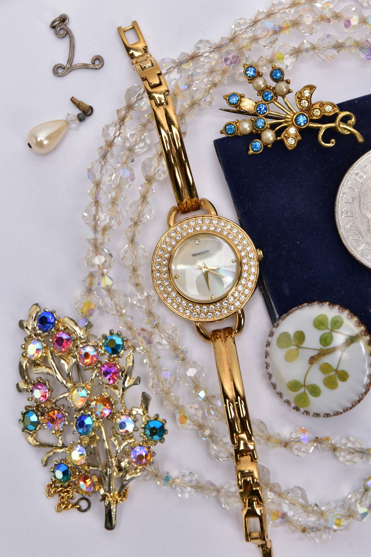 A BAG OF ASSORTED JEWELLERY, to include a ladies 'Sekonda' wristwatch, round mother of pearl dial, - Image 2 of 3