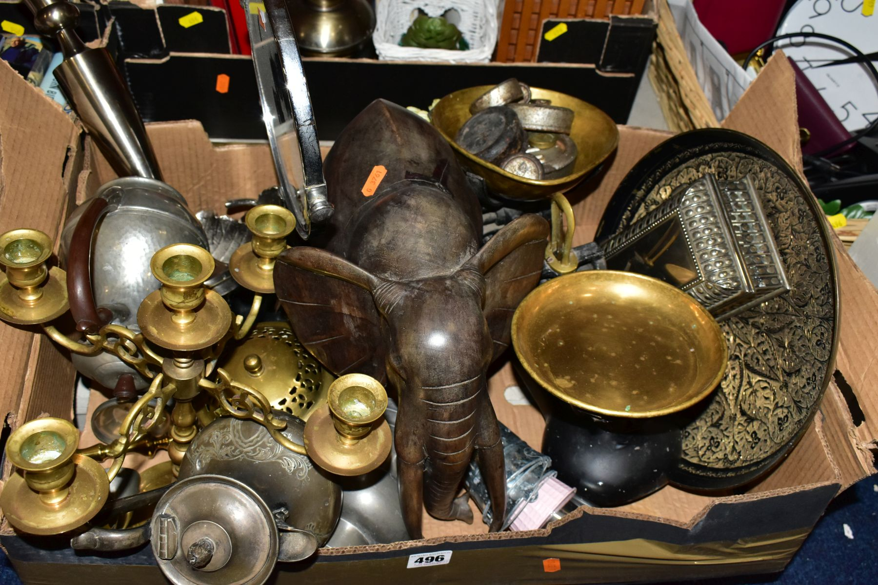 TWO BOXES AND A BASKET OF METALWARE, SUNDRIES, PICTURE FRAMES, ETC, to include various clocks (two - Image 2 of 10