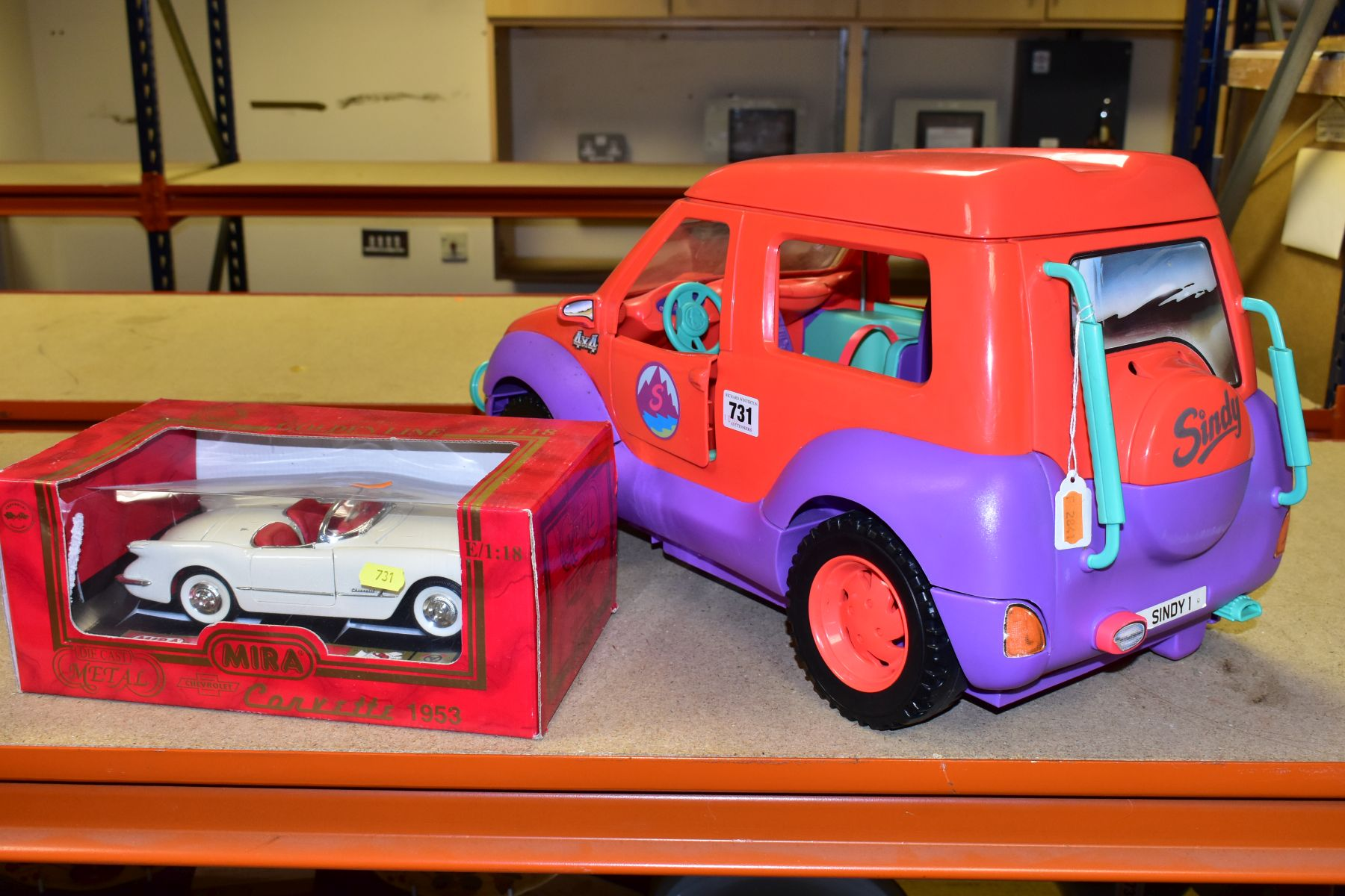 AN UNBOXED SINDY - SPACE 4X4 CAMPER VAN/HOLIDAY HOME, missing some accessories but otherwise appears - Image 5 of 5