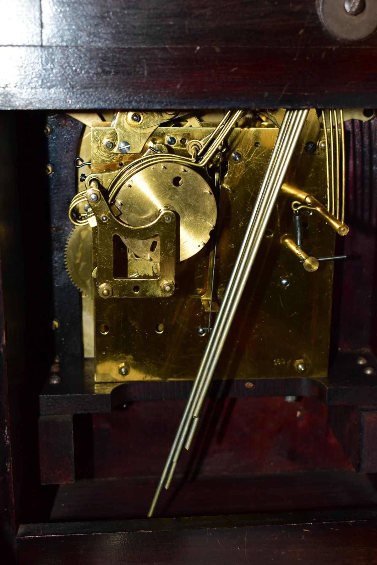 AN EARLY 2OTH CENTURY MAHOGANY STAINED GEORGE III STYLE BRACKET CLOCK, silvered dial with Arabic - Image 4 of 5