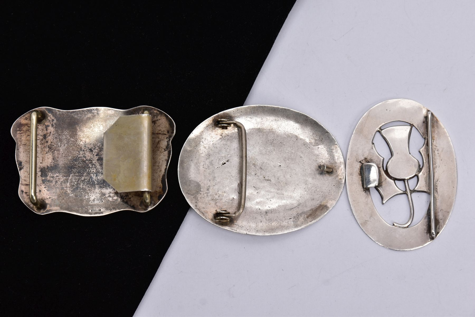 THREE BELT BUCKLES, to include an AF silver oval buckle depicting a thistle, with missing mother - Image 5 of 6