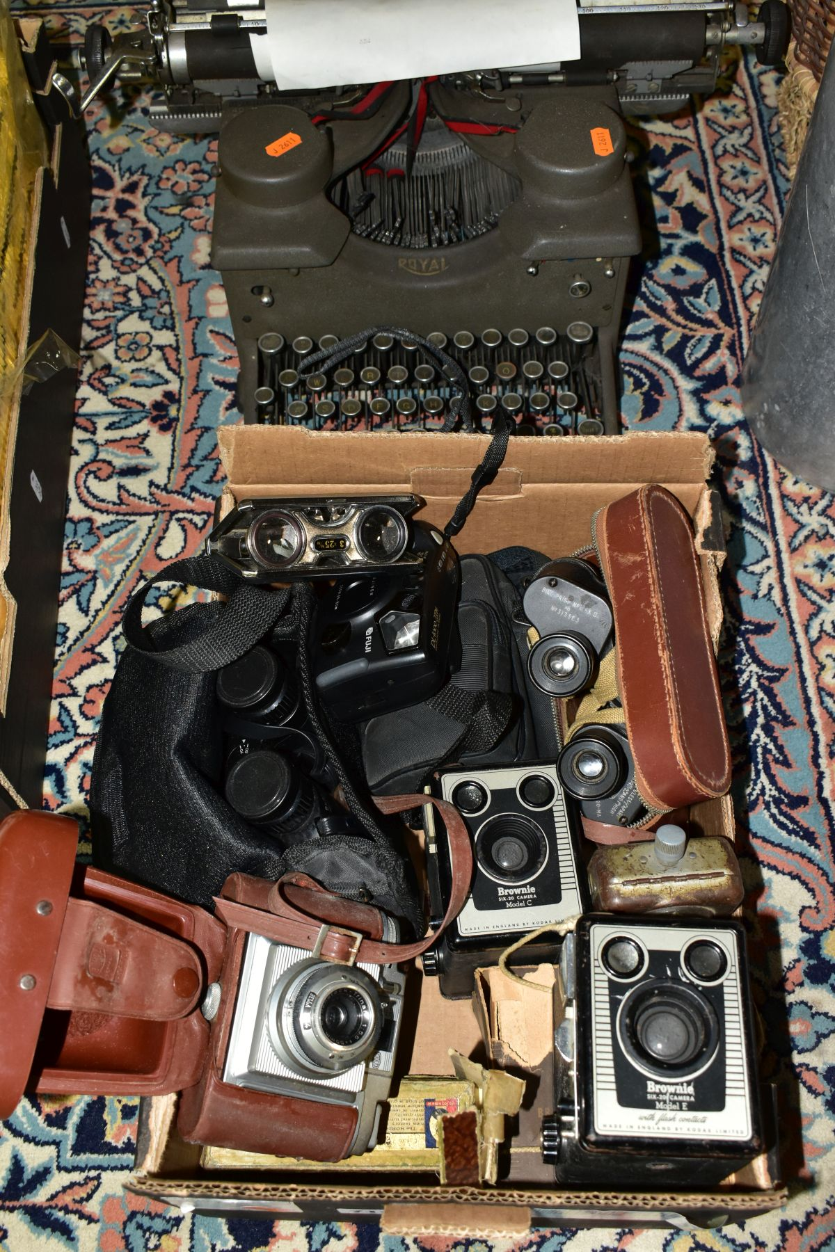 BINOCULARS, CAMERAS AND TYPEWRITER, ETC, to include a pair of Kershaw military prism No.2 MKIII