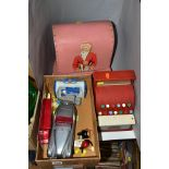 A SMALL QUANTITY OF VINTAGE AND MODERN TOYS, comprising a Codeg cash register, a Vulcan child's