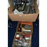 A QUANTITY OF UNBOXED AND ASSORTED 00 GAUGE MODEL RAILWAY ITEMS, all in playworn condition, to