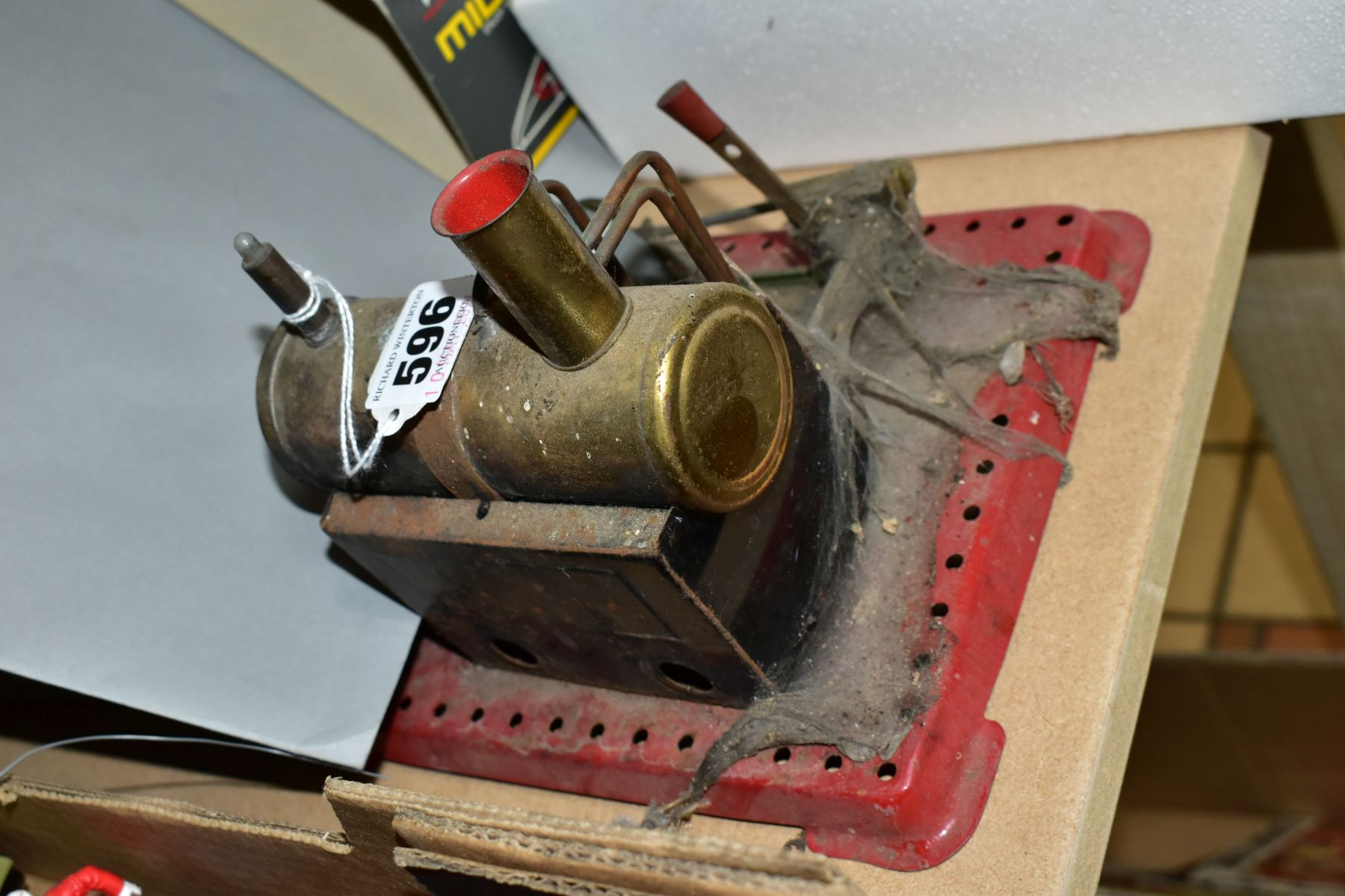 AN UNBOXED MAMOD LIVE STEAM ENGINE, No SE2, not tested, missing safety valve but has burner tray, - Image 6 of 6