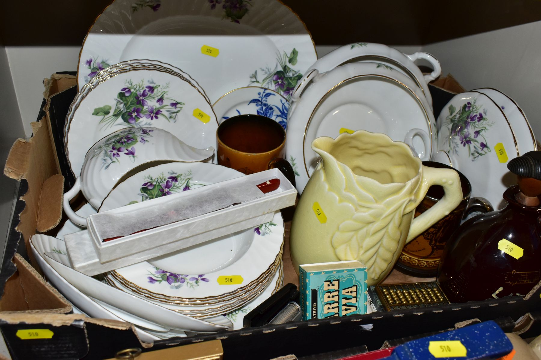 TWO BOXES OF CERAMICS AND SUNDRY ITEMS, ETC, to include Mayfair bone china part dinner service, - Image 8 of 10