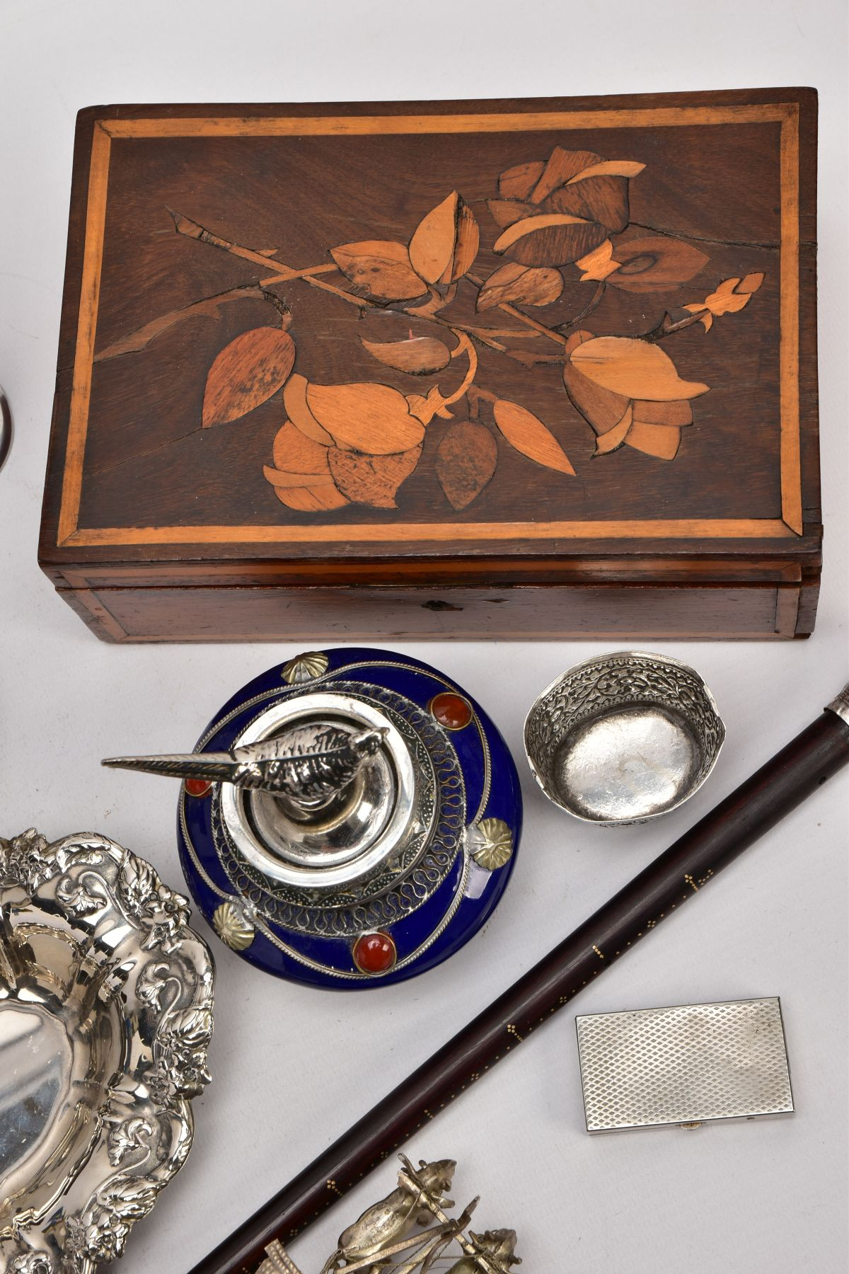 A BOX OF SILVER PLATE, COLLECTABLES AND OTHER METALWARES, including a small Indian white metal - Image 12 of 17