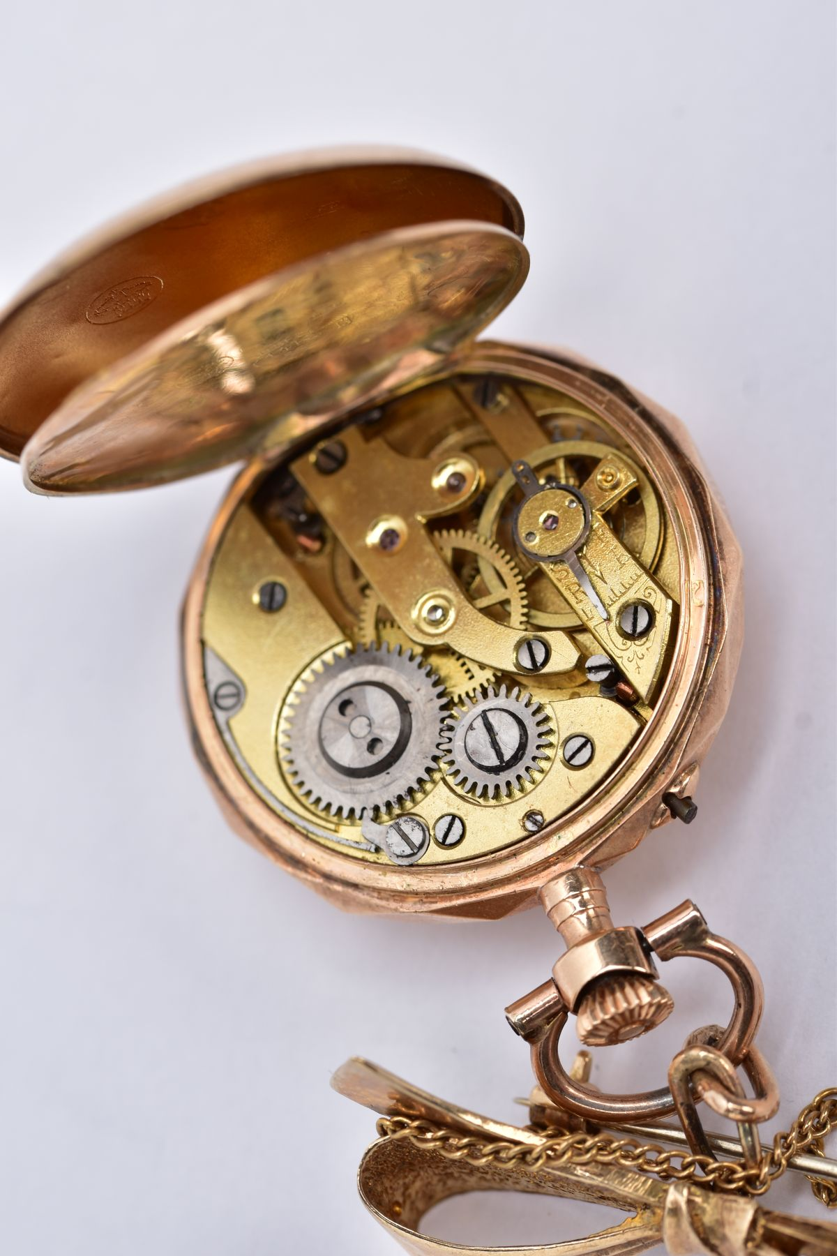 AN EARLY 20TH CENTURY GOLD AND DIAMOND LADY'S FOB WATCH, white enamel dial signed 'Elba', case - Image 4 of 5
