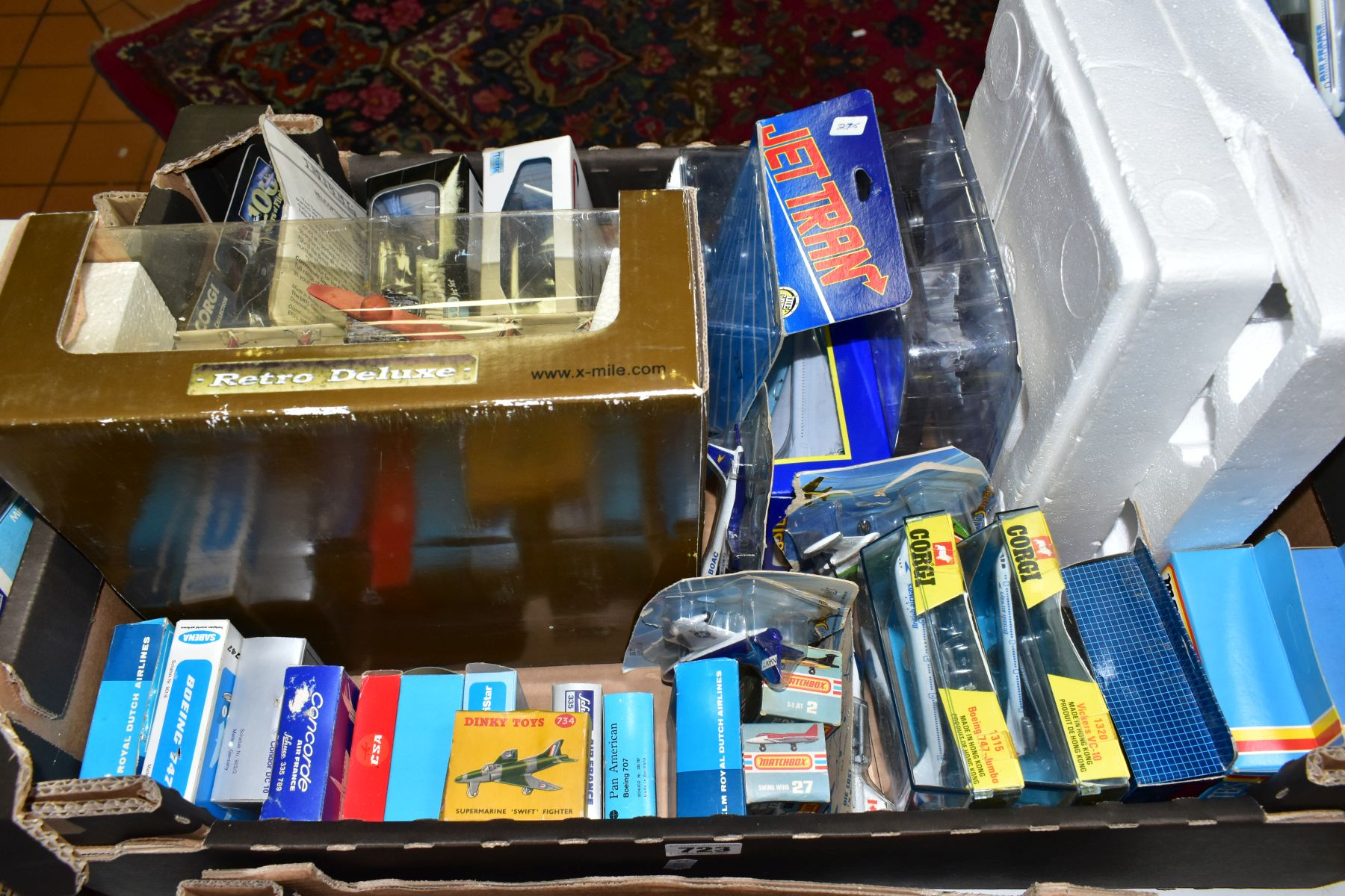 A QUANTITY OF ASSORTED BOXED AND UNBOXED AIRCRAFT MODELS, to include boxed Corgi toys Boeing 747 - Image 2 of 5