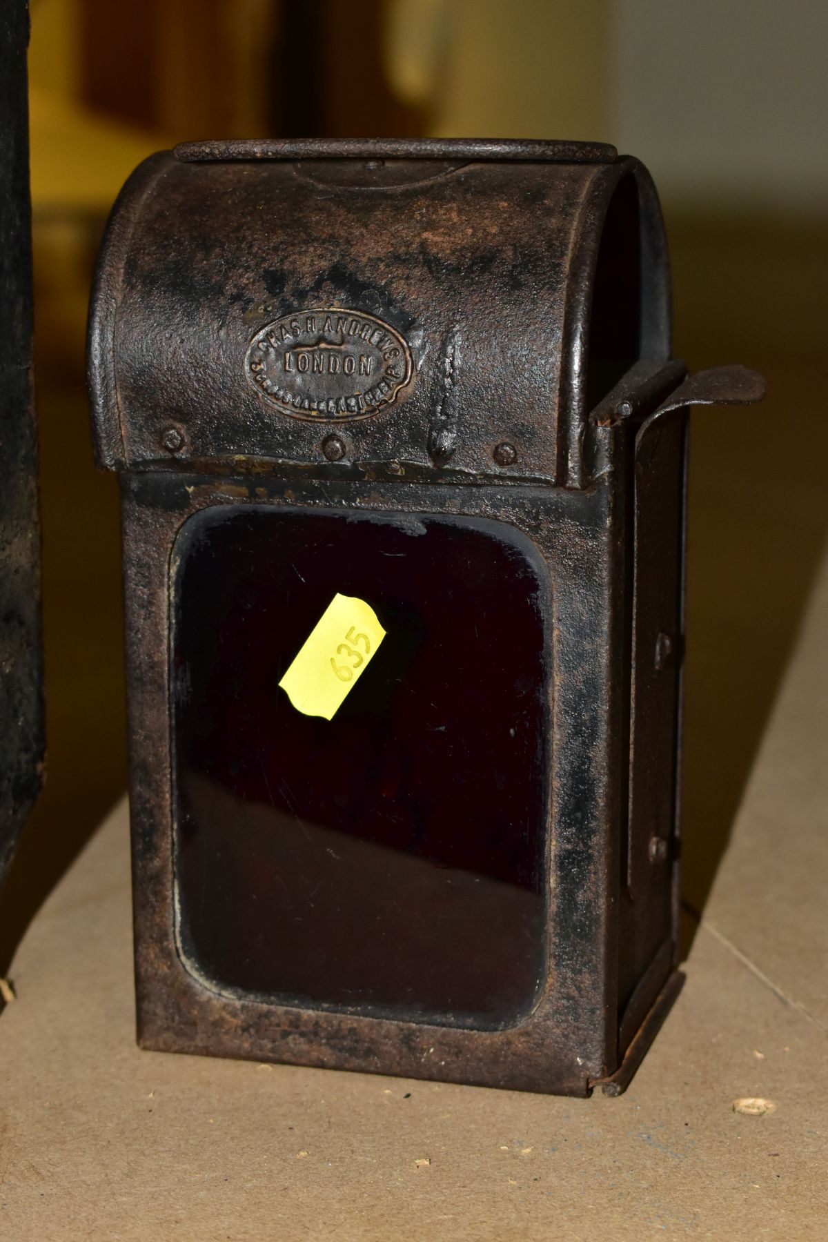 AN ADLAKE NO. 55 RAILWAY LAMP, black painted body with clear bulls eye lens, complete with lift - Image 4 of 8