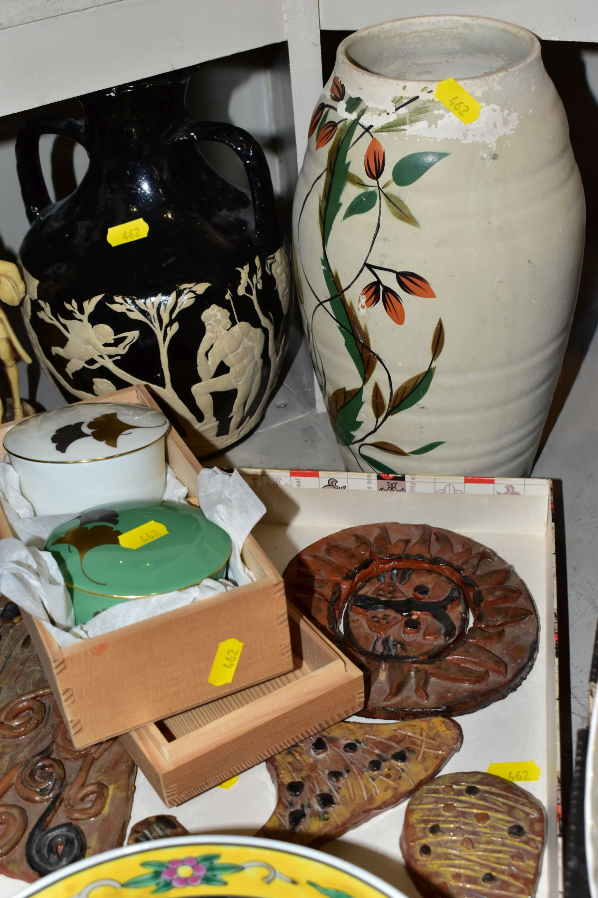 TWO BOXES AND LOOSE ORNAMENTS, VASES, ROYAL COMMEMORATIVES etc, to include Cauldon Ware Prunus - Image 3 of 8