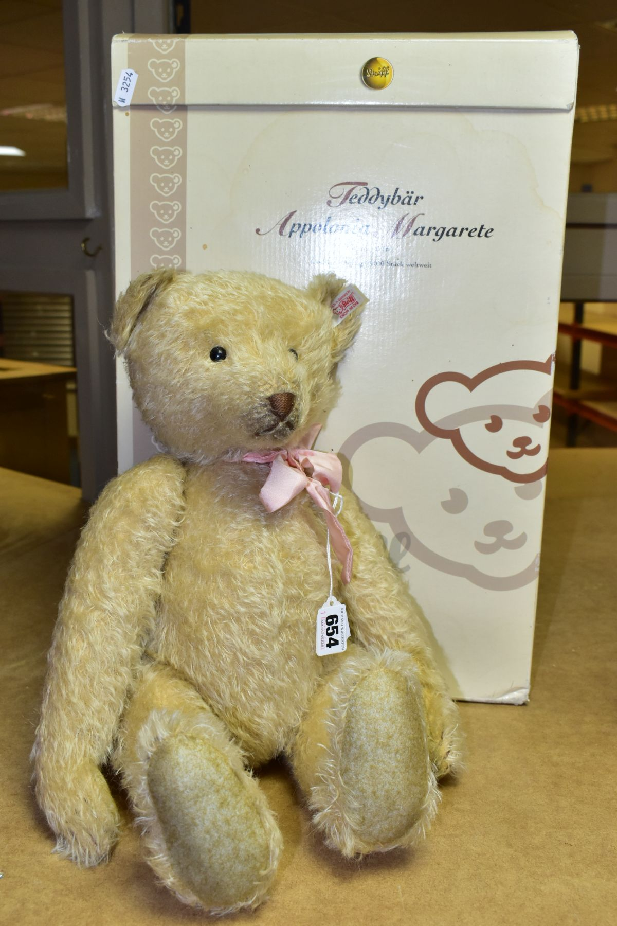 A BOXED STEIFF LIMITED EDITION APPOLONIA MARGARETE TEDDYBEAR, No. 038112, limited edition No. 1171