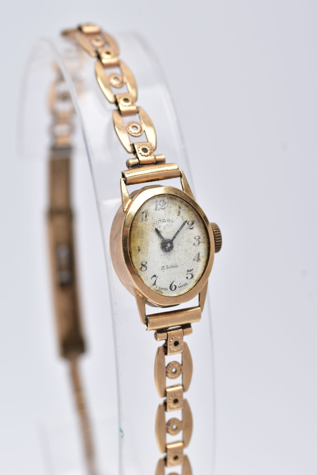 A LADY'S 9CT GOLD ROTARY WRISTWATCH', oval case measuring approximately 16.5mm x 14.0mm, - Image 2 of 5
