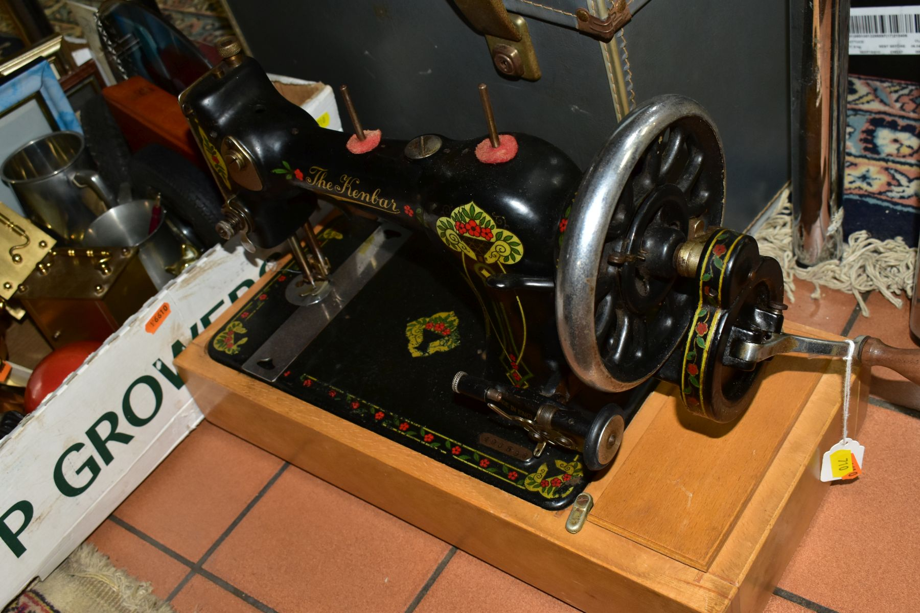 A KENBAR CAST IRON SEWING MACHINE, black painted with floral decoration on wooden base, with a boxed - Image 6 of 10