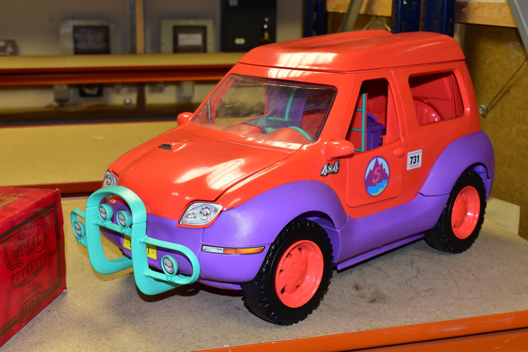 AN UNBOXED SINDY - SPACE 4X4 CAMPER VAN/HOLIDAY HOME, missing some accessories but otherwise appears - Image 3 of 5