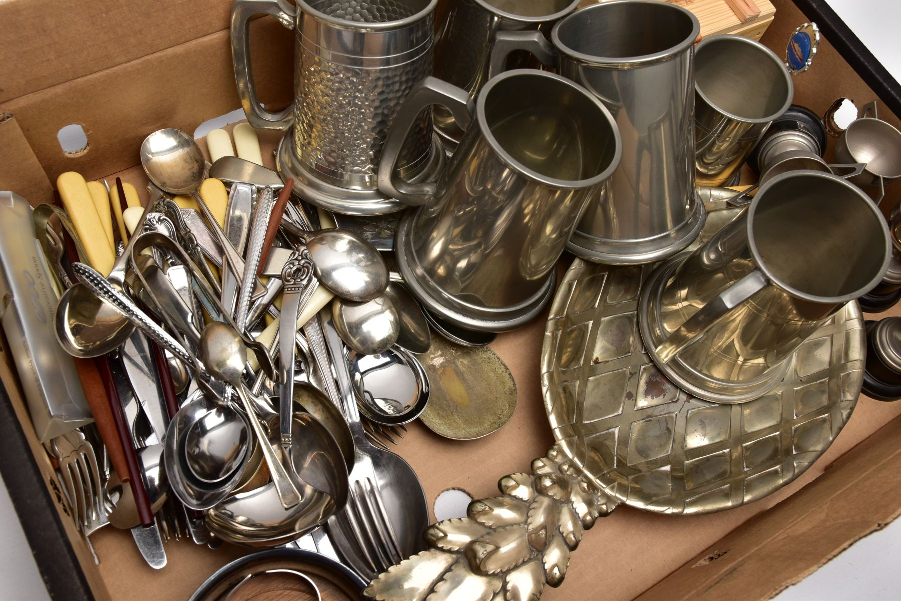 A BOX OF WHITE METALWARE, to include five pint sized pewter tankards, a half pint sized pewter - Image 2 of 4