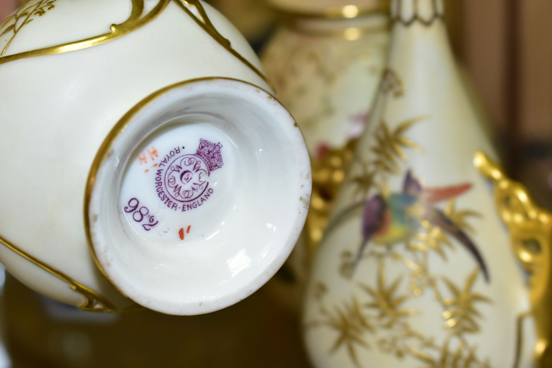 A SMALL COLLECTION OF ROYAL WORCESTER PORCELAIN, comprising a pair of blush ivory conical twin - Image 5 of 9