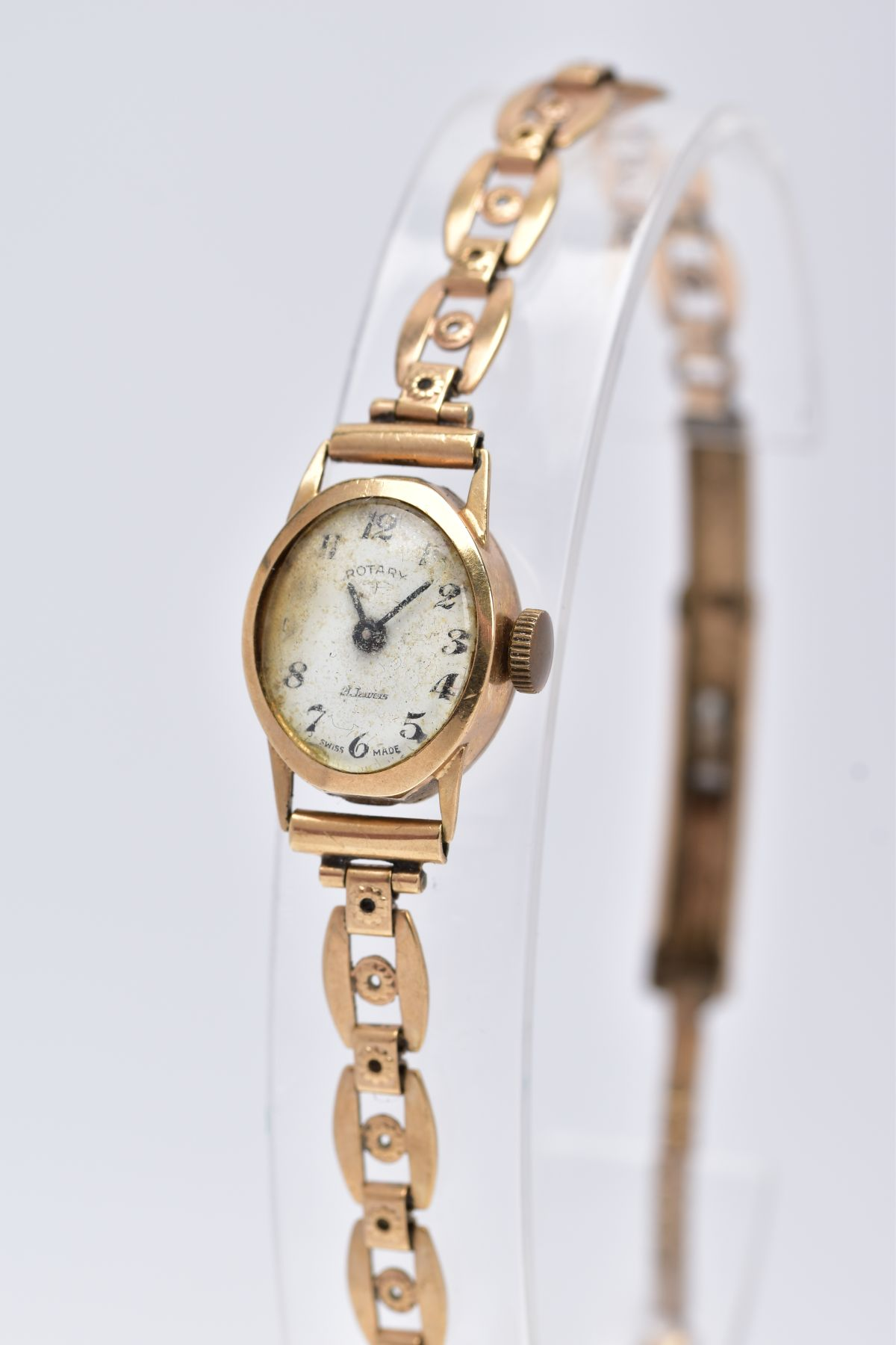 A LADY'S 9CT GOLD ROTARY WRISTWATCH', oval case measuring approximately 16.5mm x 14.0mm, - Image 3 of 5