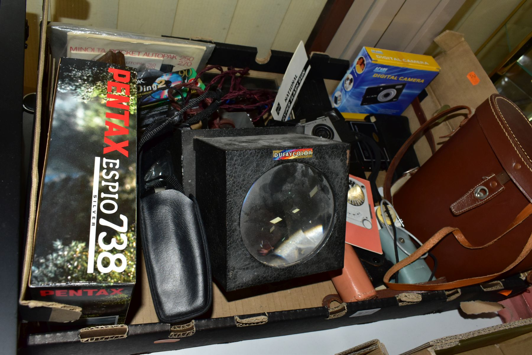 PHOTOGRAPHIC EQUIPMENT, etc, to include a Minolta Auto Pak 270 110 film camera with leather case and - Image 6 of 6