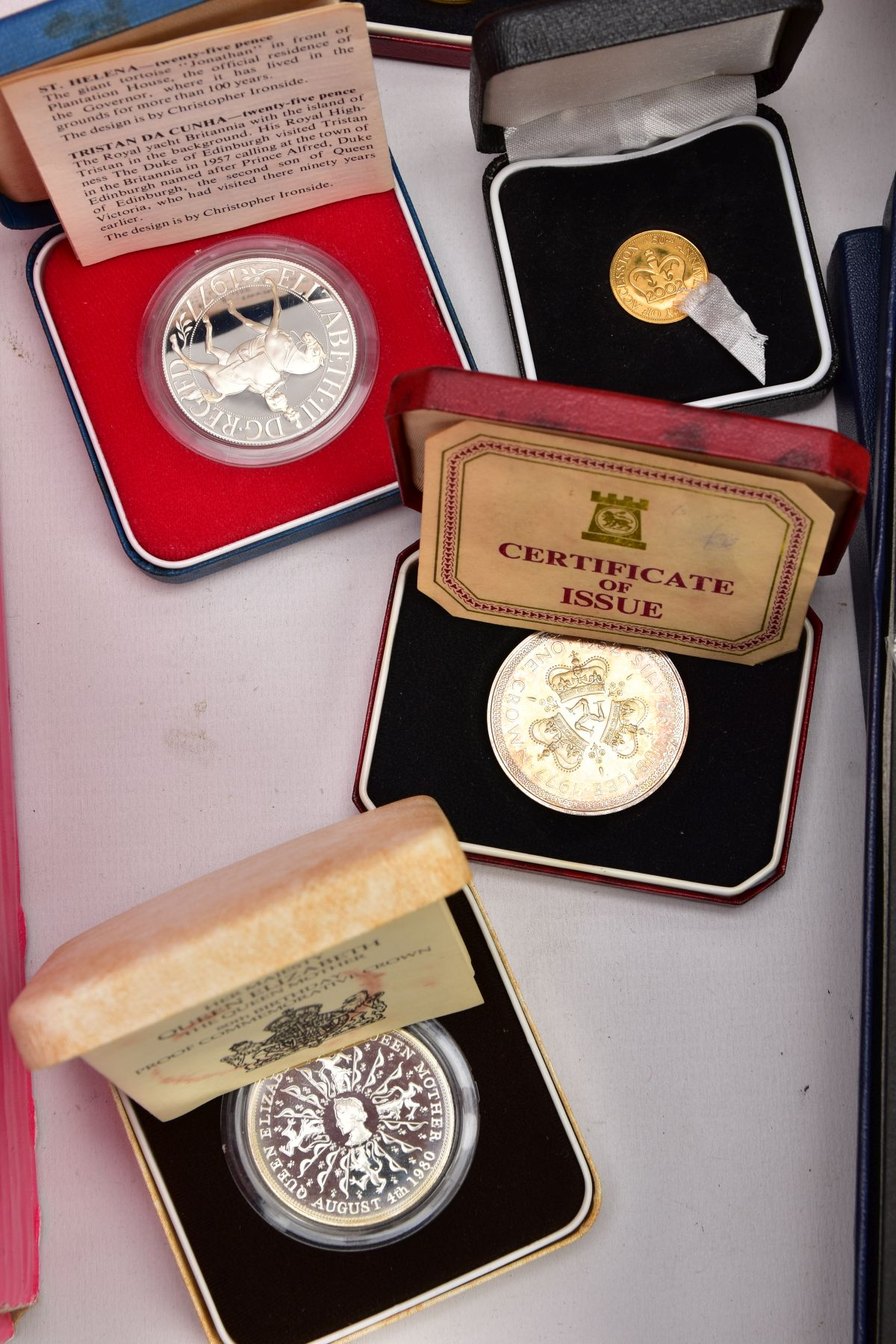 A SAMSONITE BRIEFCASE OF COINS AND COMMEMORATIVES, to include a Queen Elizabeth 50th Anniversary 9ct - Image 6 of 11