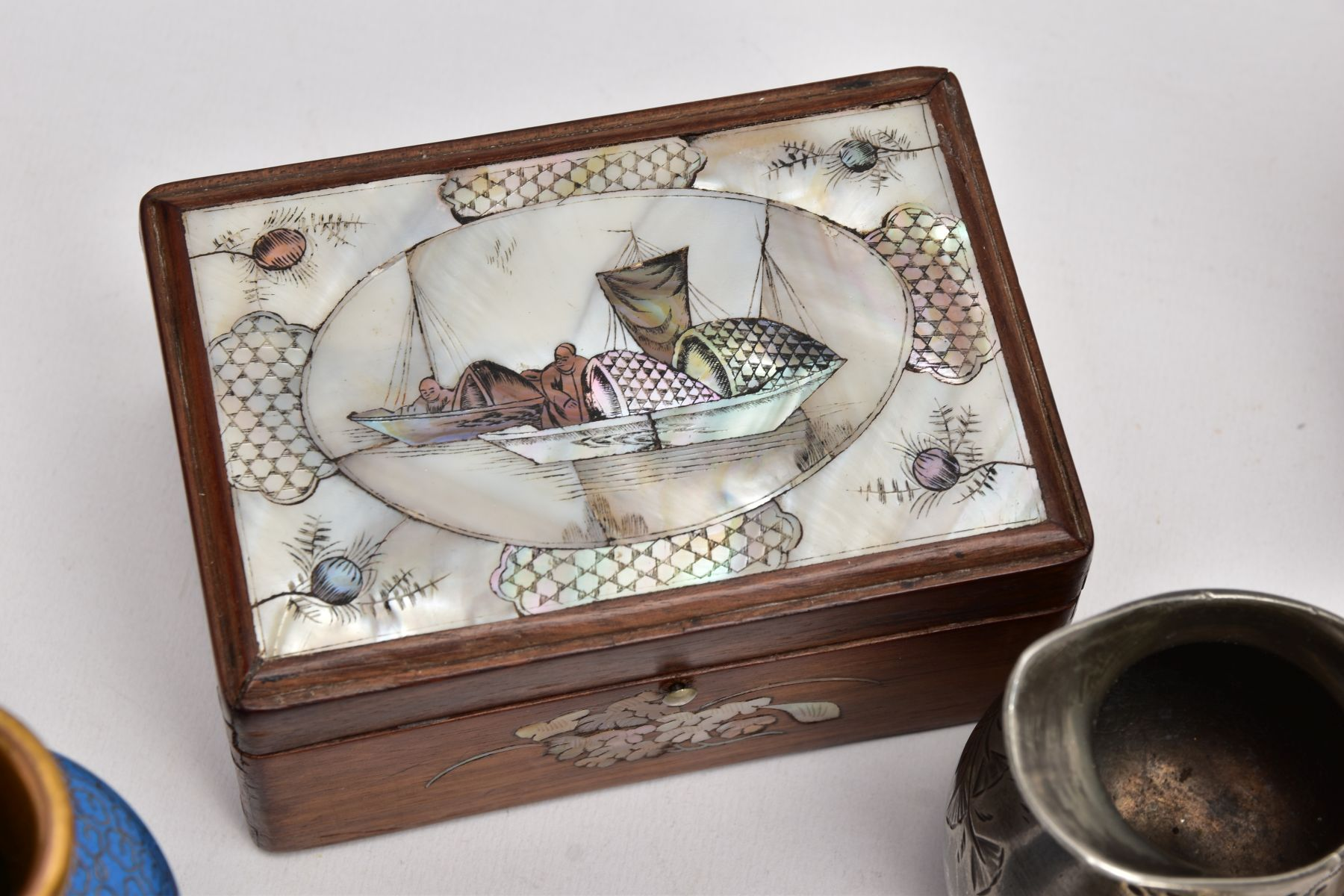 A BOX OF SILVER PLATE, COLLECTABLES AND OTHER METALWARES, including a small Indian white metal - Image 9 of 17