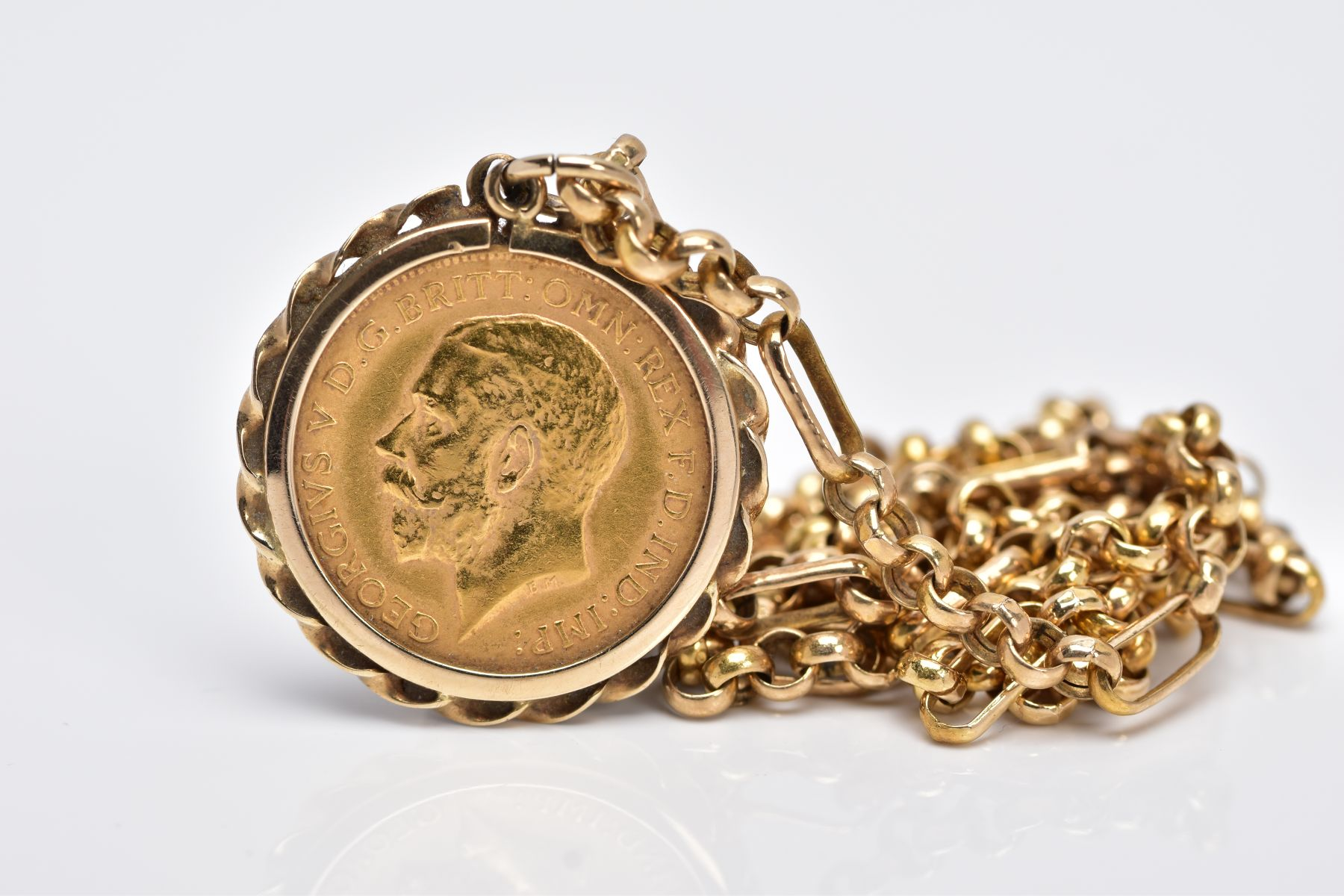 A MOUNTED GEORGIAN HALF SOVEREIGN PENDANT NECKLET, the half sovereign dated 1912, obverse - Image 2 of 3