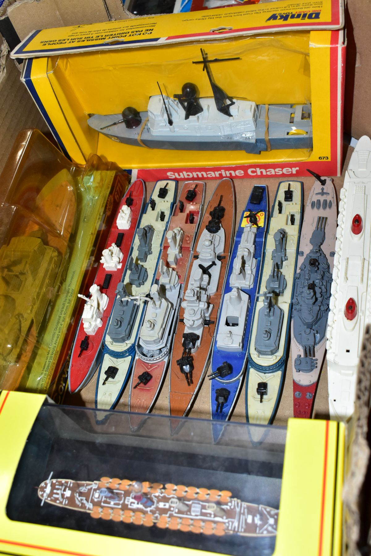 A COLLECTION OF BOXED AND UNBOXED SHIP MODELS, to include Dinky Toys Submarine Chaser, No.673, - Image 2 of 6