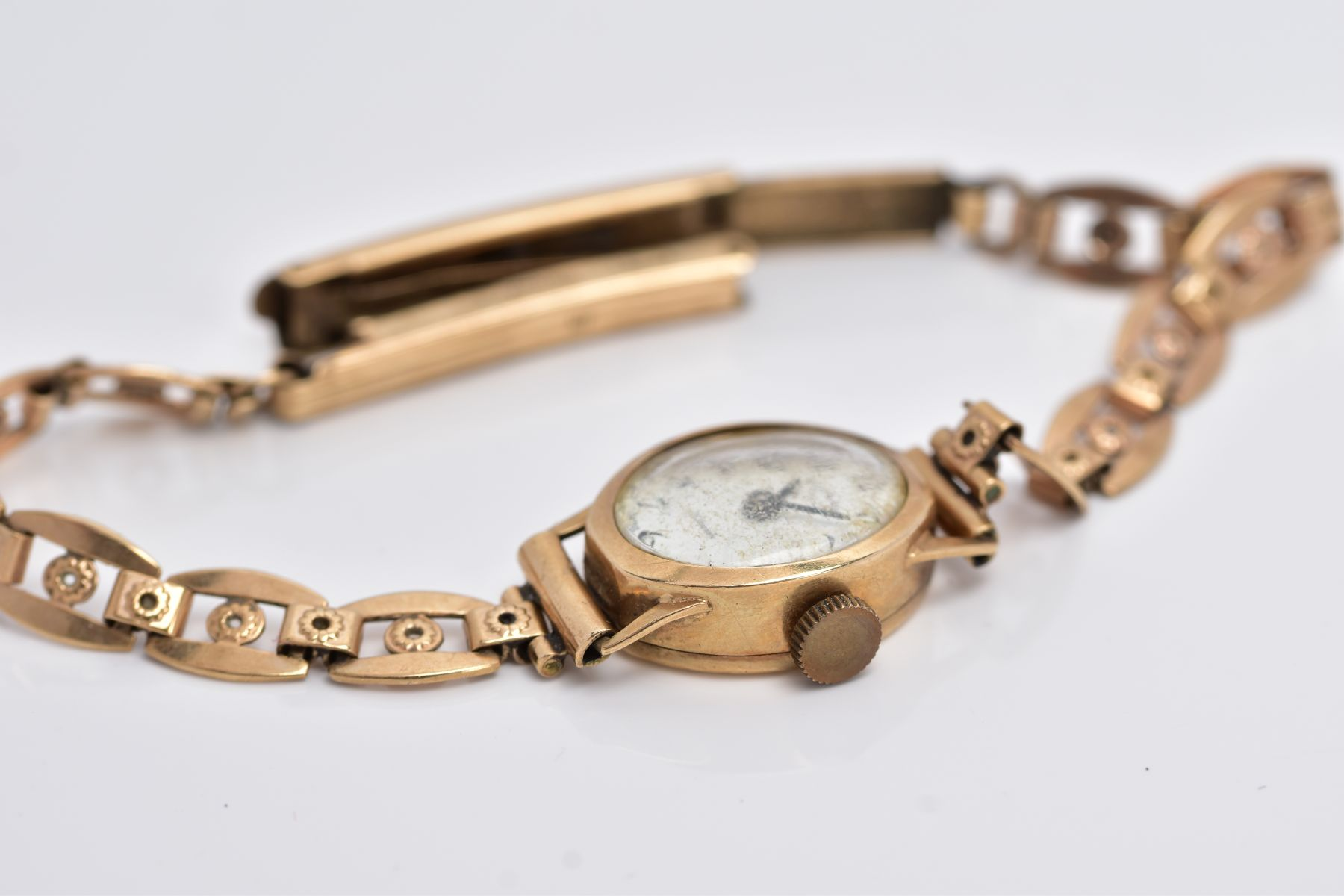 A LADY'S 9CT GOLD ROTARY WRISTWATCH', oval case measuring approximately 16.5mm x 14.0mm, - Image 5 of 5