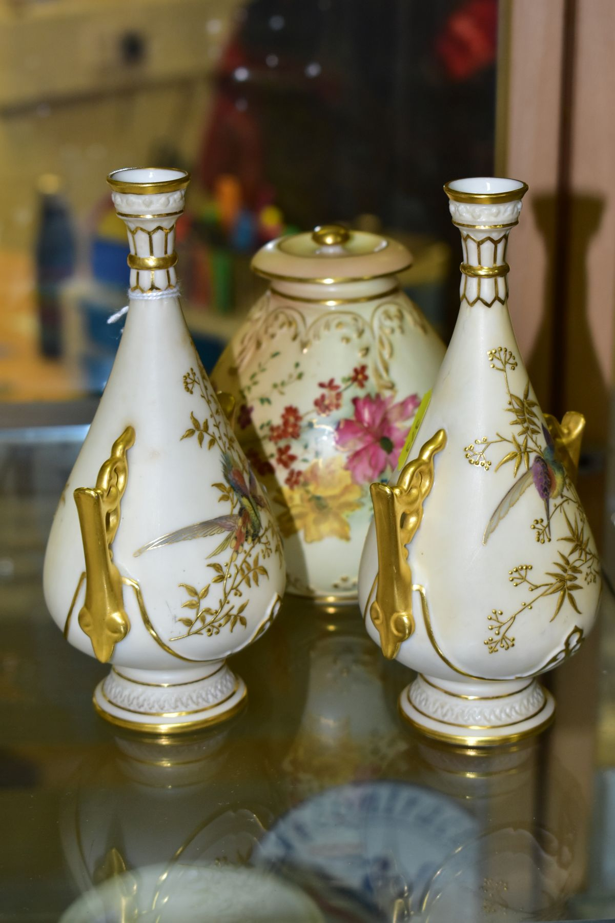 A SMALL COLLECTION OF ROYAL WORCESTER PORCELAIN, comprising a pair of blush ivory conical twin - Image 2 of 9