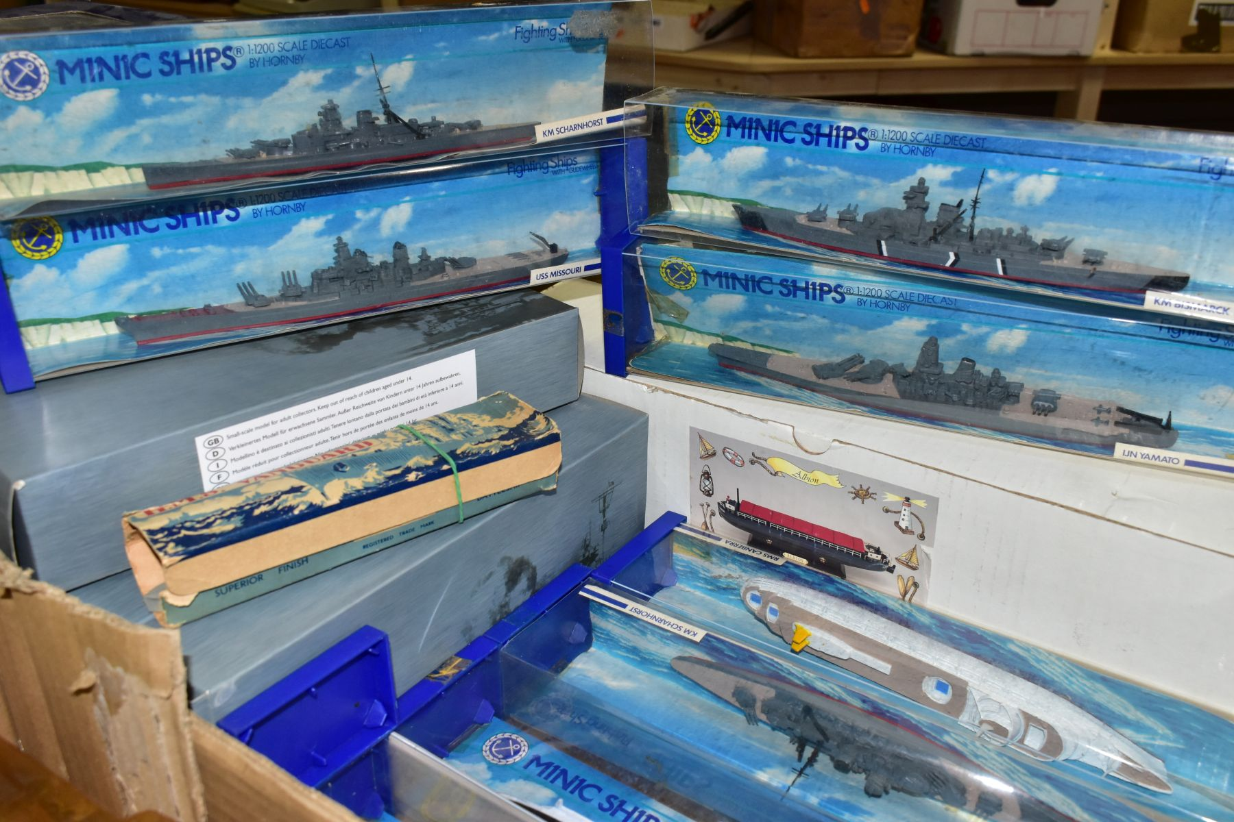 A COLLECTION OF BOXED AND UNBOXED SHIP MODELS, to include Dinky Toys Submarine Chaser, No.673, - Image 4 of 6