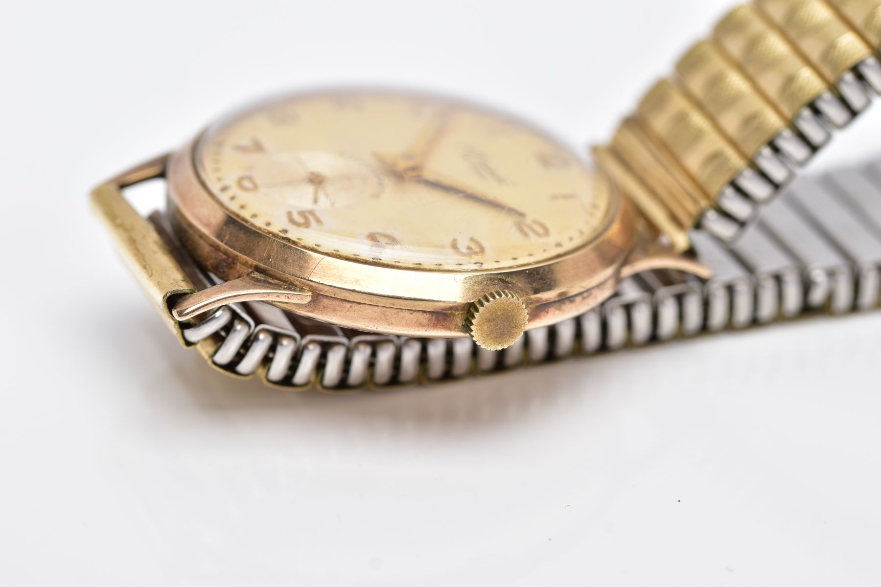 A GENTS 9CT GOLD 'ACCURIST' WRISTWATCH, hand wound movement, discoloured silver dial signed ' - Image 6 of 6
