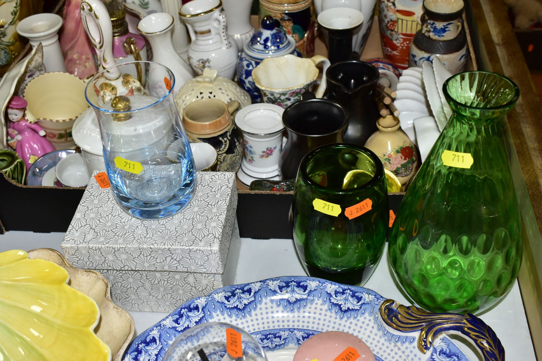 TWO BOXES AND LOOSE CERAMICS AND GLASSWARE, including animal bird and figural ornaments, two - Image 3 of 10