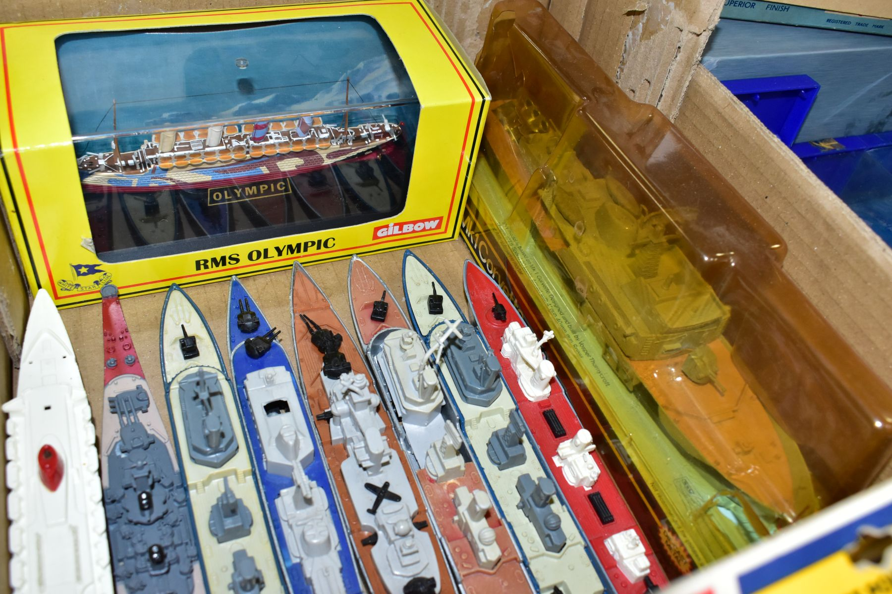 A COLLECTION OF BOXED AND UNBOXED SHIP MODELS, to include Dinky Toys Submarine Chaser, No.673, - Image 3 of 6