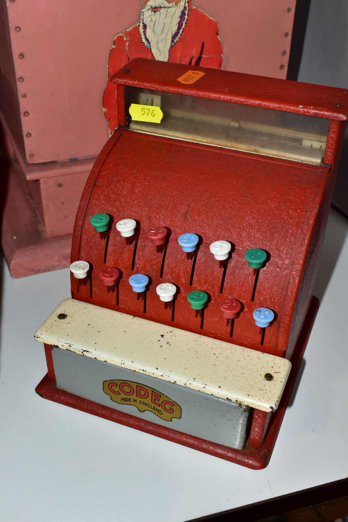 A SMALL QUANTITY OF VINTAGE AND MODERN TOYS, comprising a Codeg cash register, a Vulcan child's - Image 4 of 8