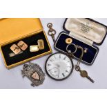 A SMALL COLLECTION OF MISCELLANEOUS JEWELLERY ITEMS, to include a pair of plain gold dress studs,