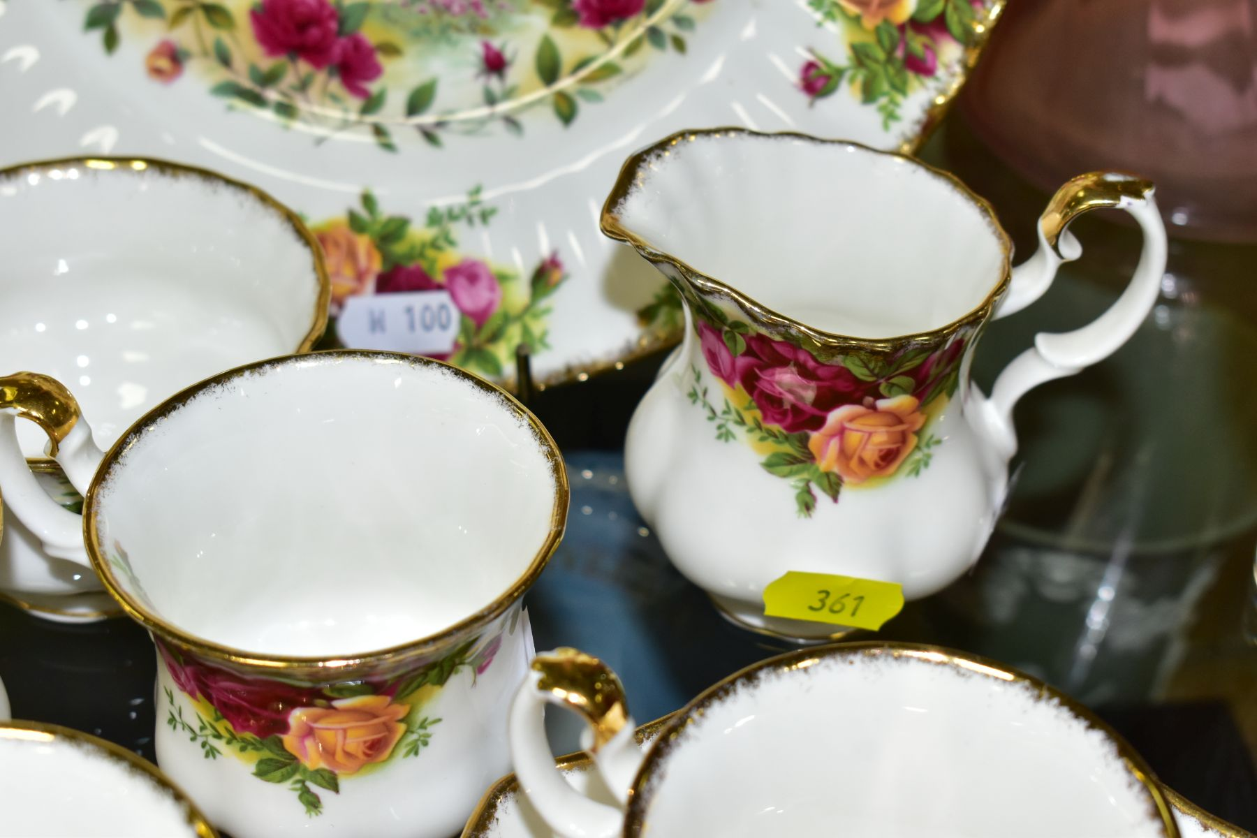 A ROYAL ALBERT OLD COUNTRY ROSES FIFTEEN PIECE COFFEE SERVICE, comprising coffee pot and cover, - Image 6 of 6