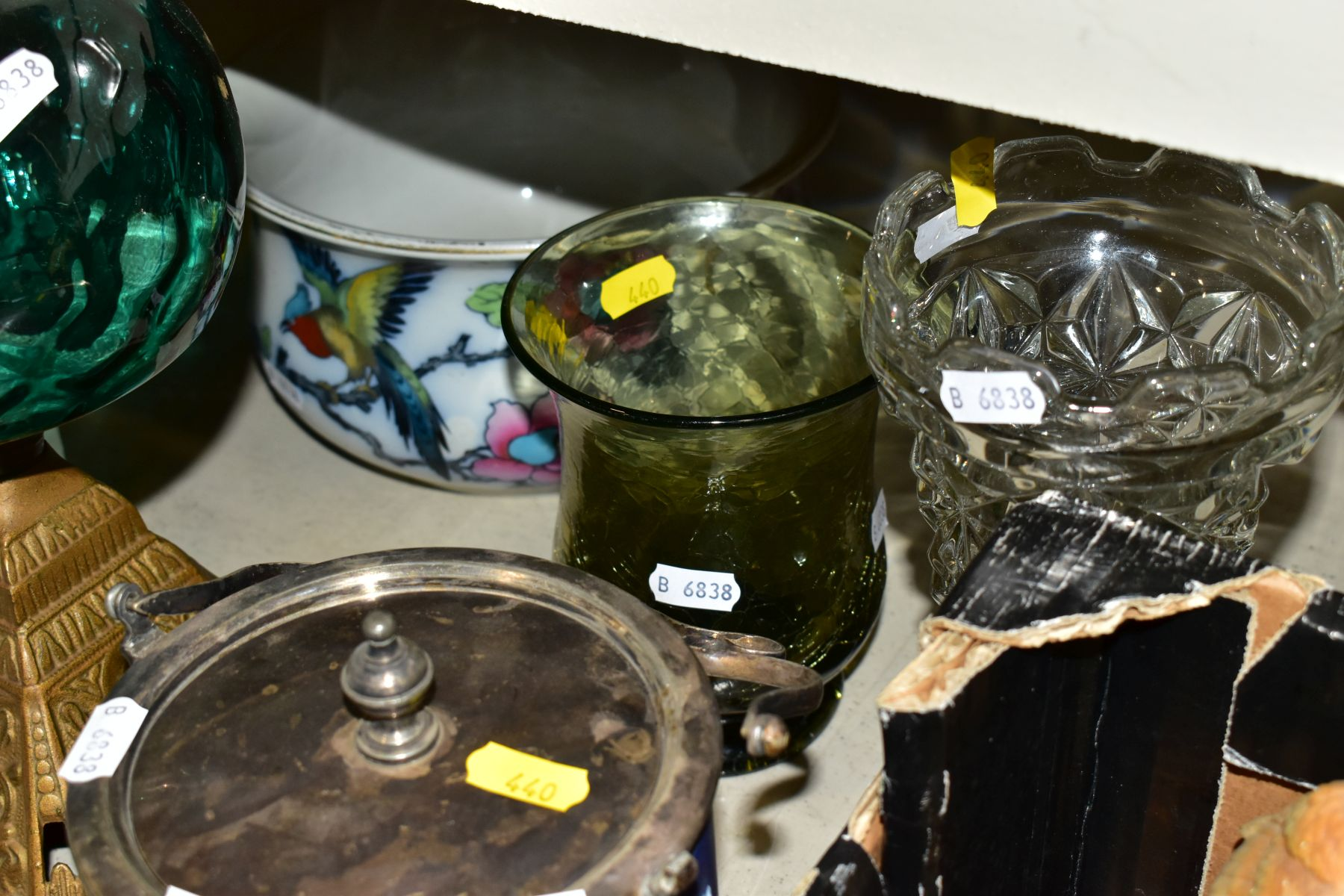 TWO BOXES AND LOOSE OF CERAMICS, GLASS AND METALWARE, including a Chinese Famille rose bowl,(chip - Image 9 of 13