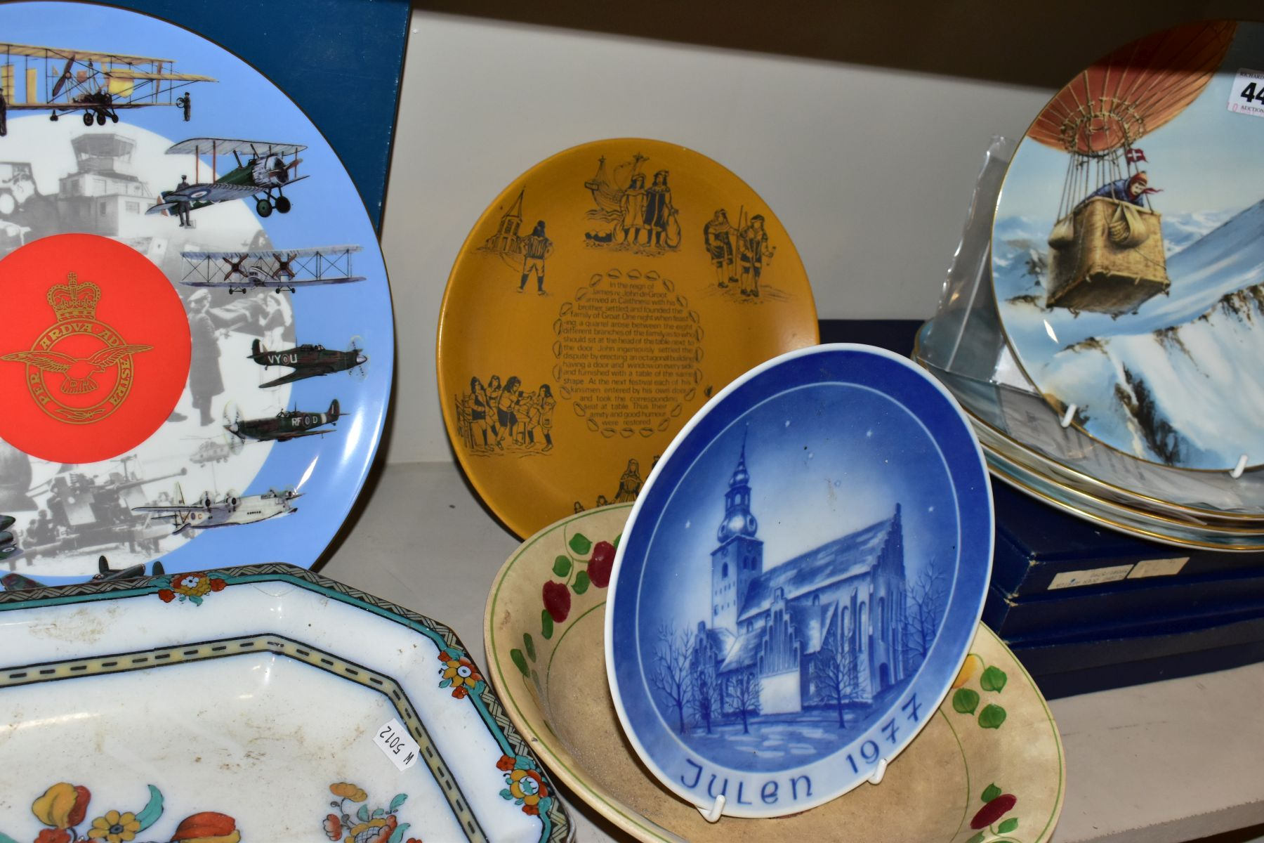 A SET OF FOUR BOXED COALPORT LIMITED EDITION COALPORT CABINET PLATES, from 'World of Ballooning - Image 5 of 5