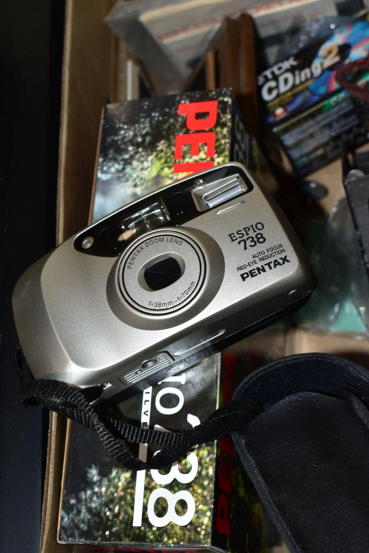 PHOTOGRAPHIC EQUIPMENT, etc, to include a Minolta Auto Pak 270 110 film camera with leather case and - Image 2 of 6
