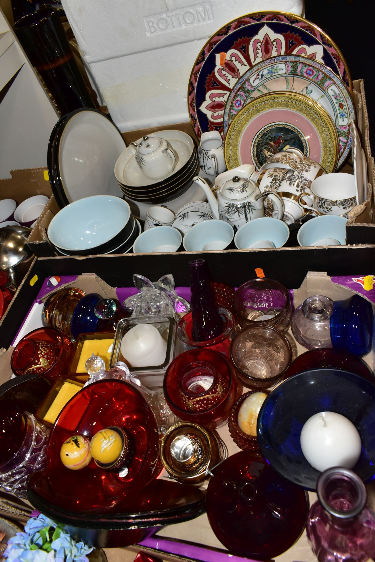 FOUR BOXES OF CERAMICS, GLASSWARES, SUNDRY ITEMS, ETC, to include four Denby everyday bowls, six - Image 6 of 8
