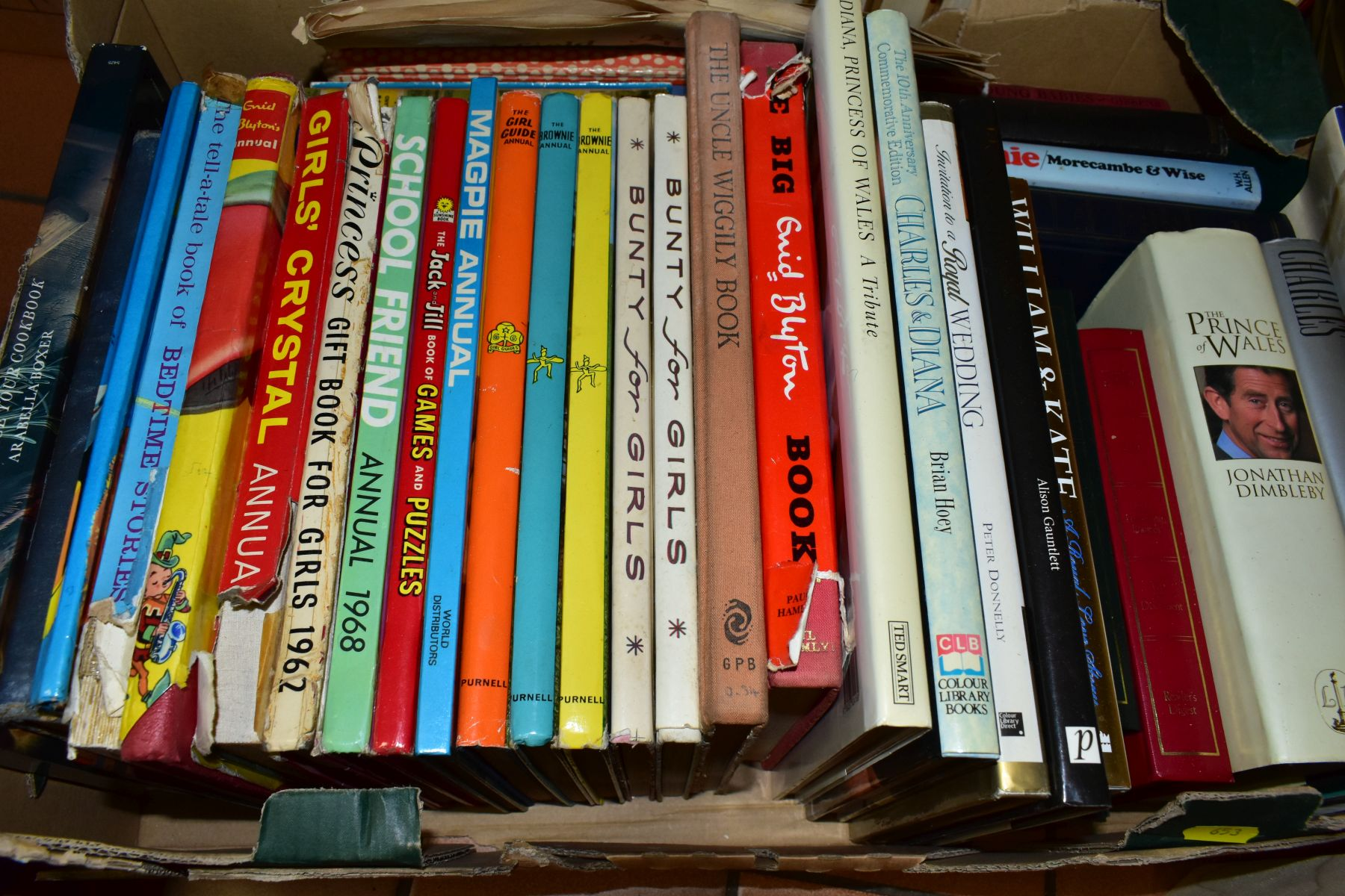 BOOKS, six boxes of over one hundred and twenty five miscellaneous titles to include Royal - Image 4 of 9