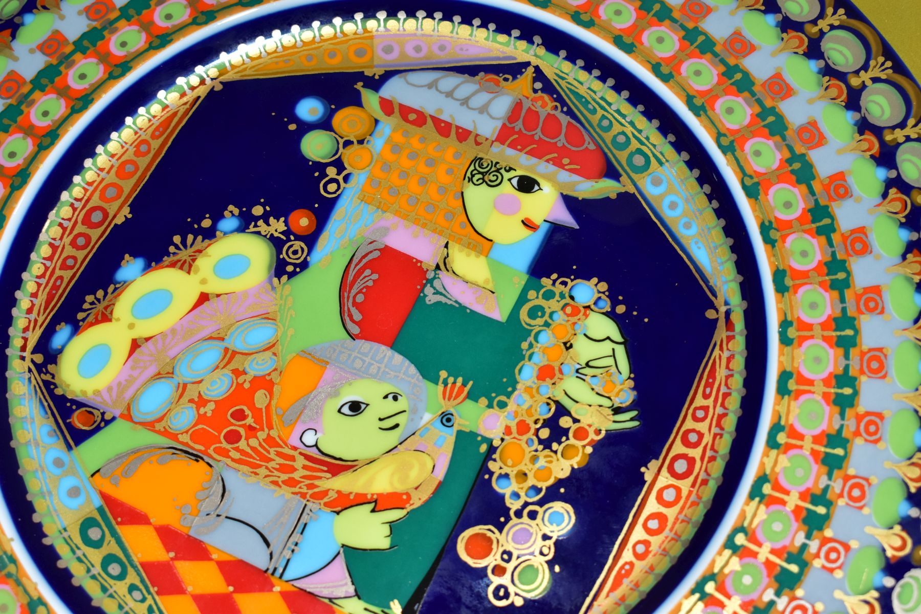 THREE BOXED ROSENTHAL CHRISTMAS PLATES, 1973, 1974 and 1975 all signed by Bijorn Wiinbald - Image 7 of 12
