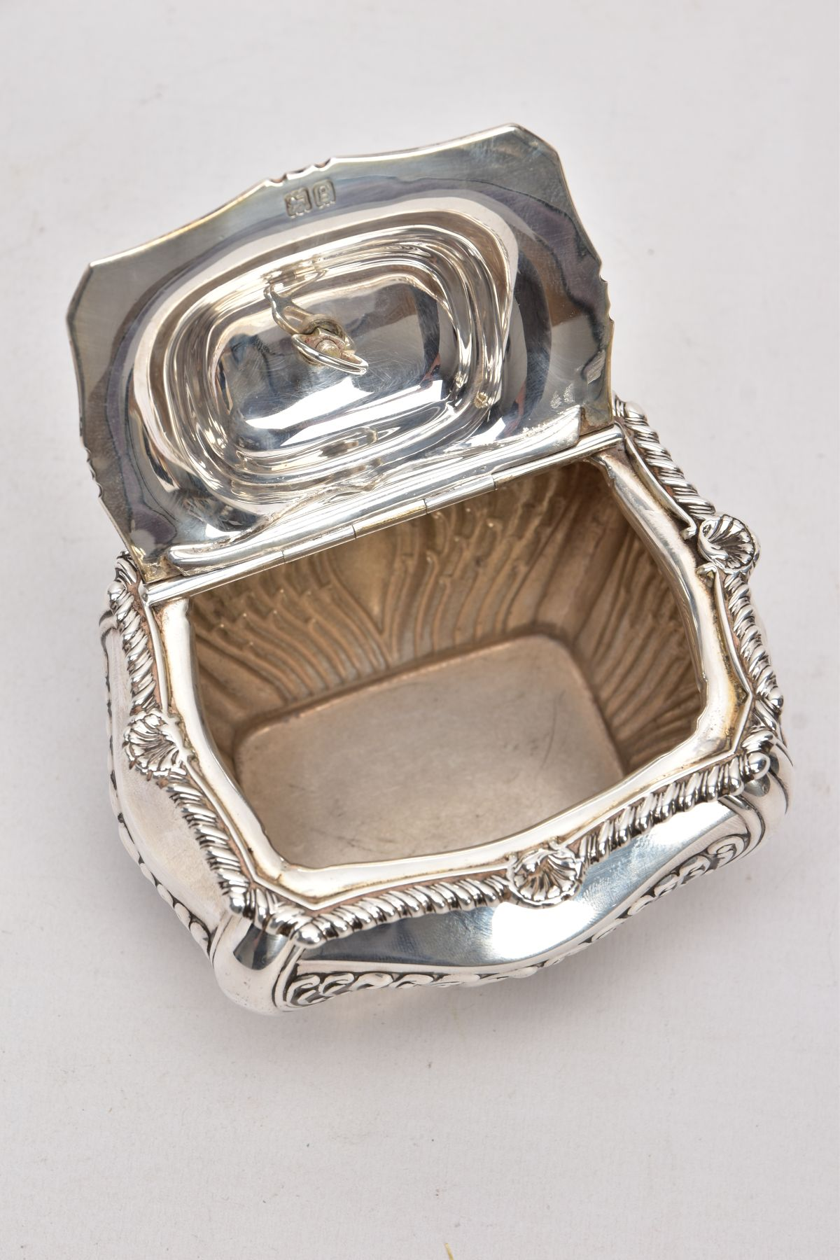 AN EDWARDIAN SILVER TEA CADDY, bomb shaped sucrier with hinged cover, gadrooned and shell cast - Image 3 of 6