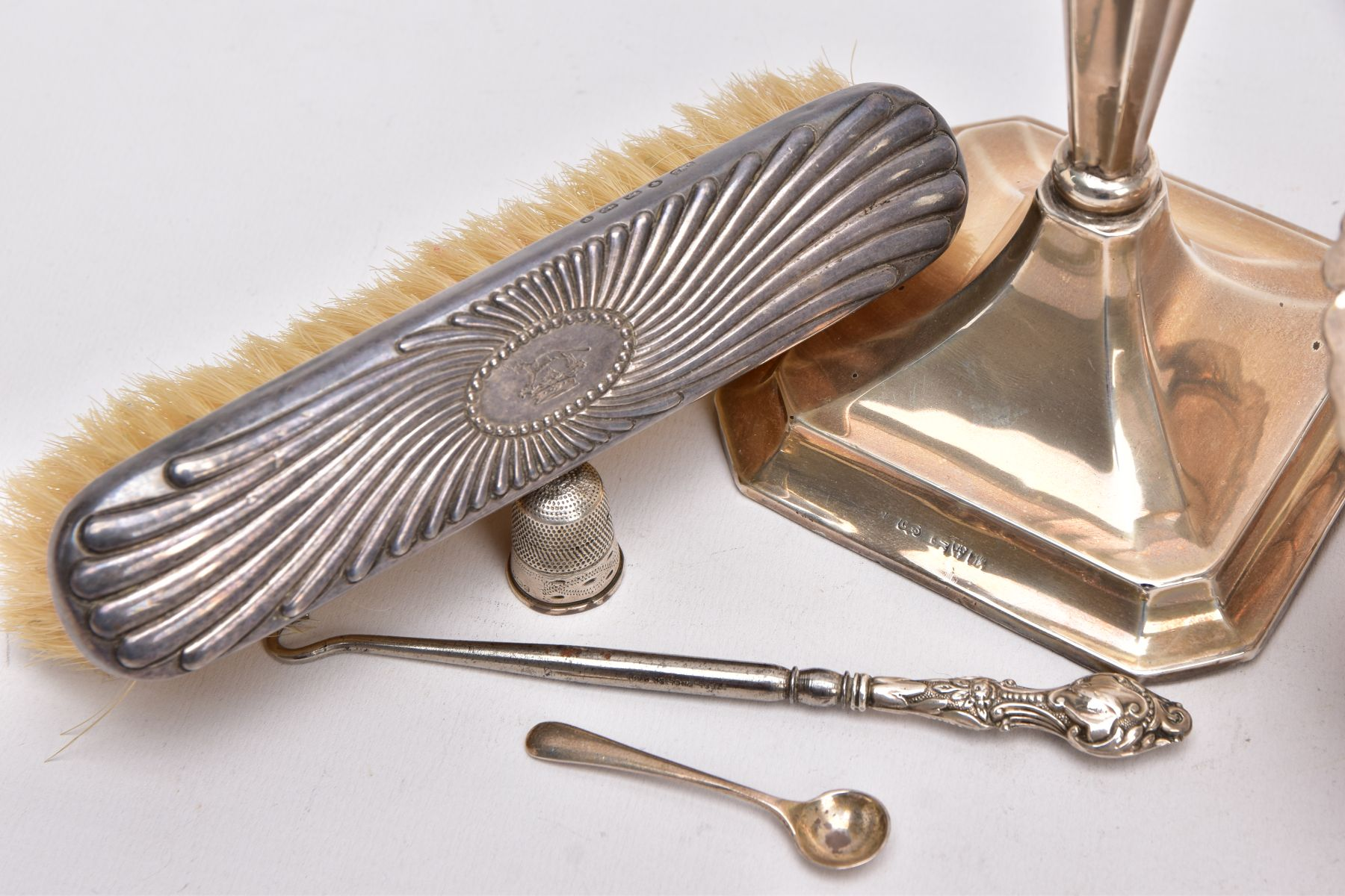 A SELECTION OF SILVER AND WHITE METAL ITEMS, to include a silver, tapered column candlestick on a - Image 2 of 4