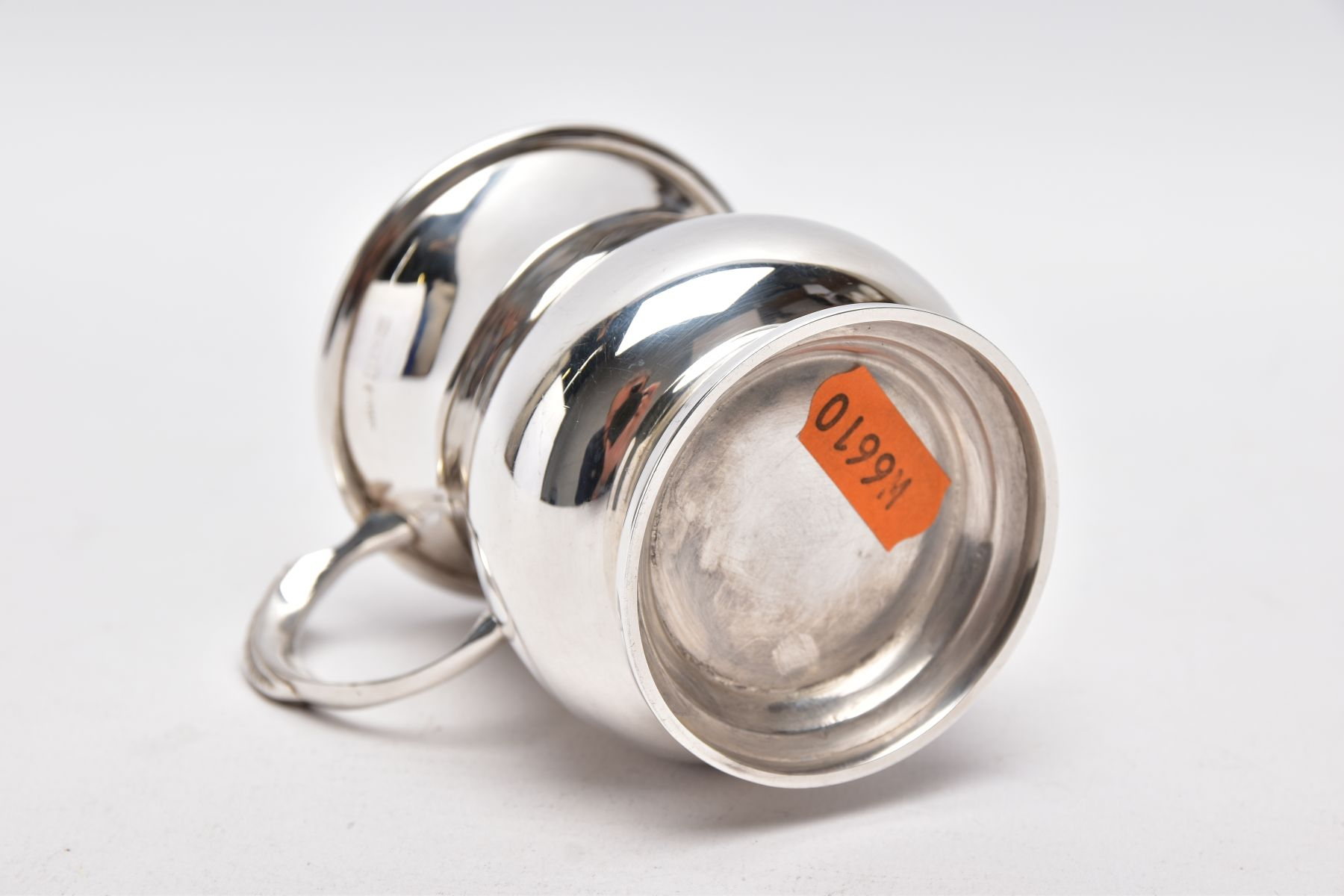 A SILVER TANKARD, bell shaped body with a feather detailed handle, hallmarked 'Roberts & Dore' - Image 5 of 5