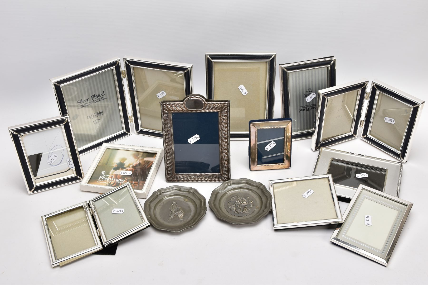 A BOX OF SILVER, SILVER PLATE AND WHITE METAL PHOTOFRAMES, to include a small silver, rectangular