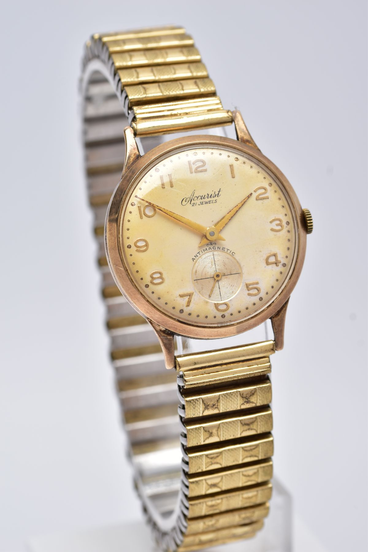 A GENTS 9CT GOLD 'ACCURIST' WRISTWATCH, hand wound movement, discoloured silver dial signed ' - Image 2 of 6